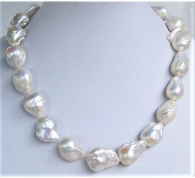 Huge Baroque Pearl Necklace (PN-903539)