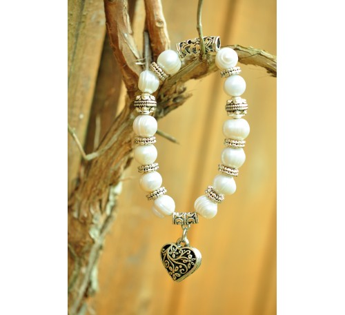 The Heart of Oasis - Heart Charm Bracelet (BA-903504)