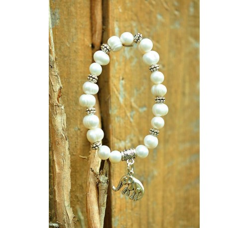 Journey to a New Land - Elephant charm on natural white pearl bracelet (BA-903508)